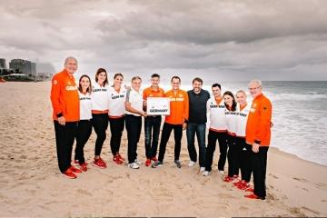 Am Strand von Rio 2016, u.a. mit Kristina Vogel, Linda Stahl, Ruth Spelmeyer, Herbert Hainer, Alfons Hörmann, Martin Kaymer, Miriam Welte, Gina Lückenkemper